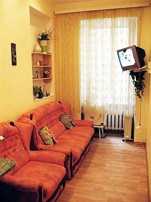 1-комнатная квартира посуточно в Одессе. Приморский район, пер. Маяковского, 3. Фото 1