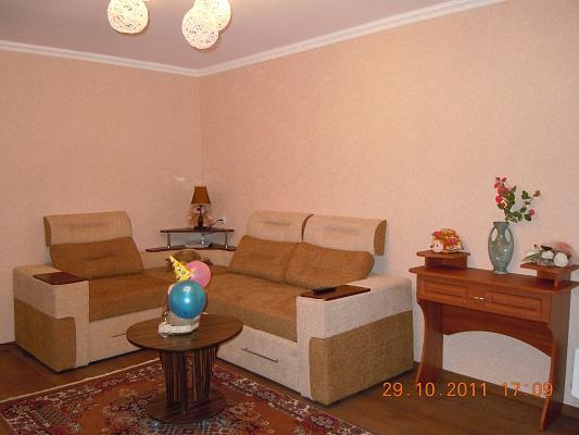 1-комнатная квартира посуточно в Сумах. Ковпаковский район, пер. Промышленный, 7. Фото 1