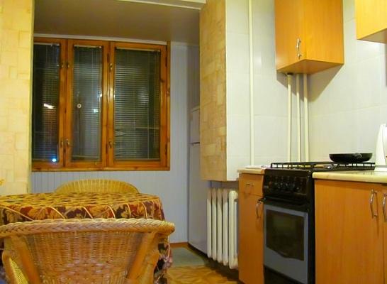 1-комнатная квартира посуточно в Луганске. Ленинский район, ул. Коцюбинского, 9. Фото 1