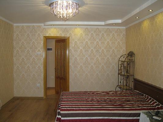 1-комнатная квартира посуточно в Ильичёвске. ул. 1-го Мая, 19. Фото 1