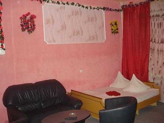 1-комнатная квартира посуточно в Джанкое. ул. Новоалександровская, 8. Фото 1