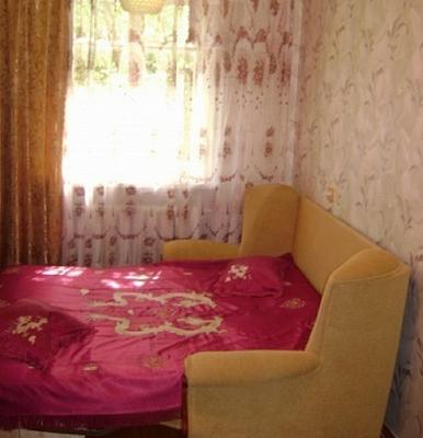 2-комнатная квартира посуточно в Севастополе. Ленинский район, ул. Советская, 46. Фото 1