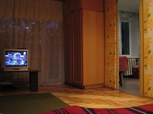 1-комнатная квартира посуточно в Запорожье. Орджоникидзевский район, ул. Победы, 115. Фото 1