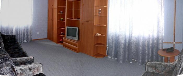 2-комнатная квартира посуточно в Киеве. Святошинский район, пр. Победы, 77/1. Фото 1