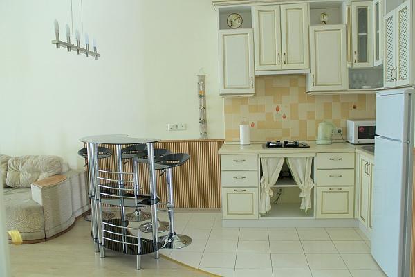 3-комнатная квартира посуточно в Одессе. Приморский район, ул. Некрасова, 4. Фото 1