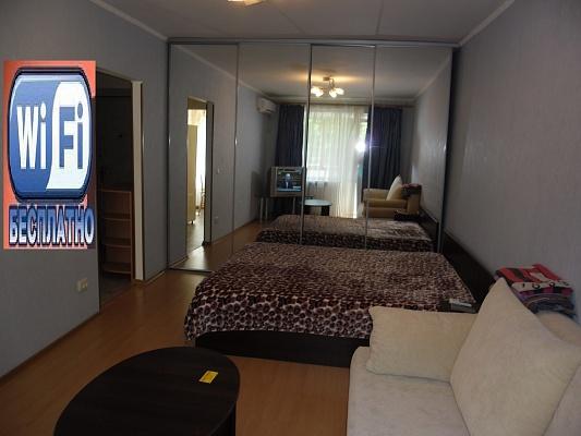 1-комнатная квартира посуточно в Кременчуге. Октябрьская, 27. Фото 1