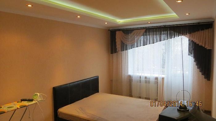 2-комнатная квартира посуточно в Луганске. Ленинский район, Городок Щорса, 24. Фото 1