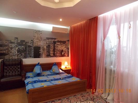1-комнатная квартира посуточно в Житомире. ул. Шелушкова, 59а. Фото 1