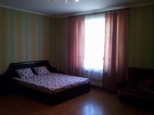 2-комнатная квартира посуточно в Виннице. Ленинский район, ул. Зодчих, 8. Фото 1