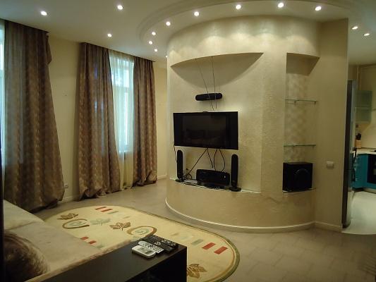 2-комнатная квартира посуточно в Одессе. Приморский район, пл. Соборная, 8. Фото 1