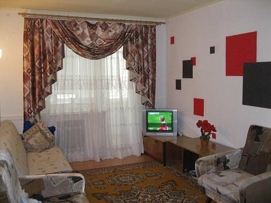 1-комнатная квартира посуточно в Полтаве. Октябрьский район, Октябрьская, 26. Фото 1