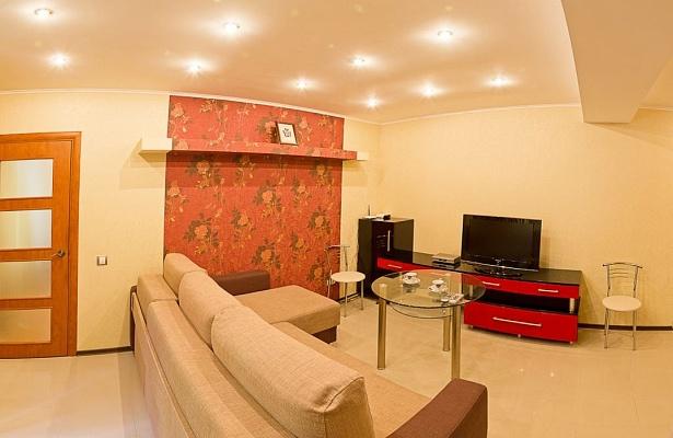 2-комнатная квартира посуточно в Днепропетровске. Бабушкинский район, ул. Карла Маркса, 54. Фото 1