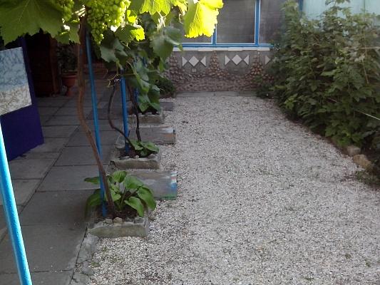 Дом  посуточно в Бердянске. ул. Свердлова, 128. Фото 1