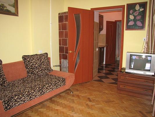 1-комнатная квартира посуточно в Львове. Галицкий район, ул. Галицкая, 15. Фото 1