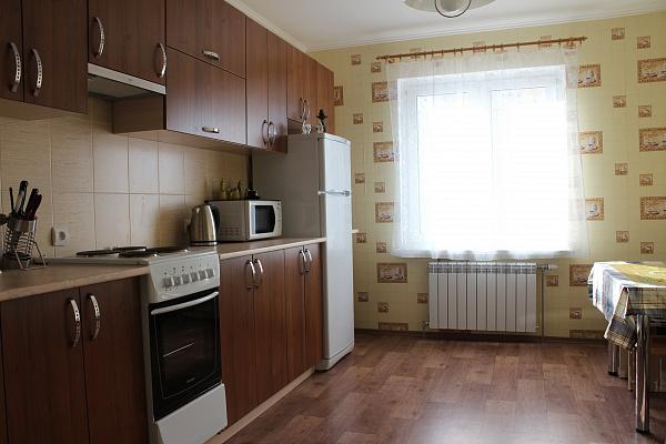 3-комнатная квартира посуточно в Киеве. Дарницкий район, ул. Елизаветы Чавдар, 14. Фото 1