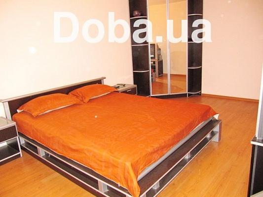 3-комнатная квартира посуточно в Феодосии. ул. Чкалова, 113Б. Фото 1