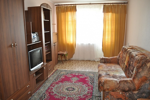 1-комнатная квартира посуточно в Сумах. Заречный район, ул. Лебединская. Фото 1
