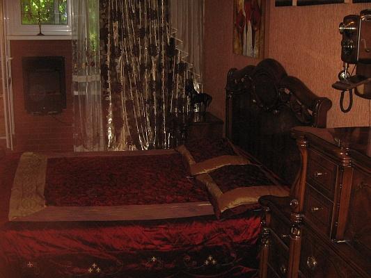 1-комнатная квартира посуточно в Киеве. Подольский район, ул. Верхний Вал, 44. Фото 1