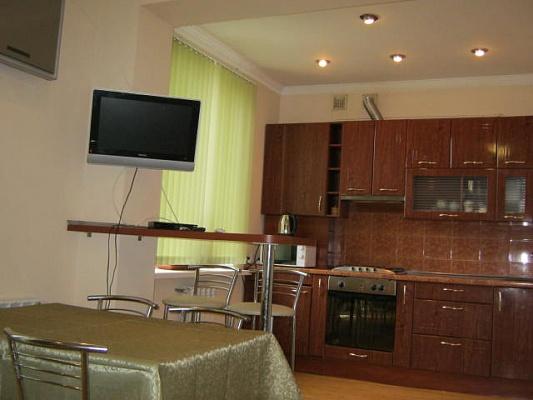 3-комнатная квартира посуточно в Бердянске. пр-т Ленина, 21. Фото 1