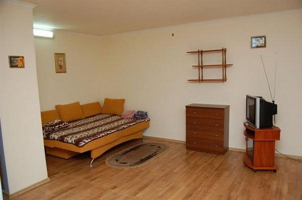 1-комнатная квартира посуточно в Одессе. Киевский район, ул. Академика Филатова, 1. Фото 1