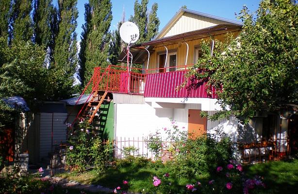 2-комнатная квартира посуточно в Миргороде. пер. Дачный, 7. Фото 1