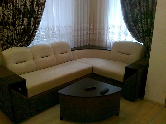 1-комнатная квартира посуточно в Львове. Галицкий район, ул. Петра Дорошенка, 16. Фото 1