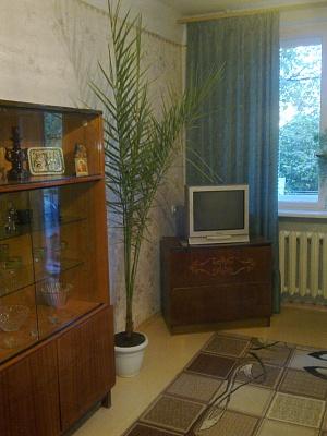 1-комнатная квартира посуточно в Севастополе. Гагаринский район, ул. Дыбенко, 6. Фото 1