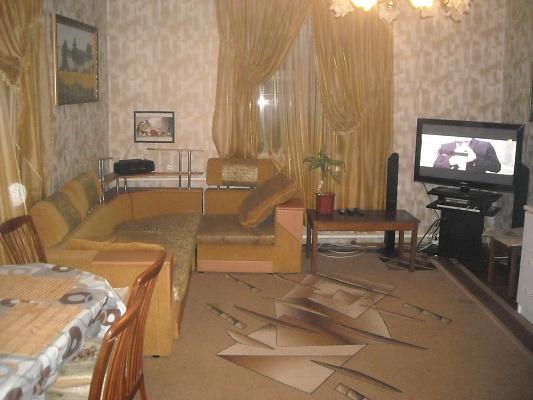 Дом  посуточно в Нежине. ул. Мозгалевского, 34. Фото 1