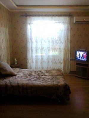 2-комнатная квартира посуточно в Днепродзержинске. ул. Ленина, 79. Фото 1