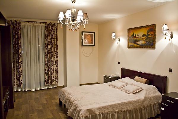2-комнатная квартира посуточно в Харькове. Дзержинский район, Сухумская, 24. Фото 1
