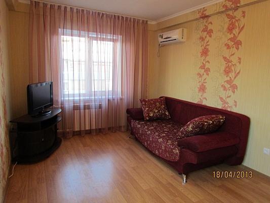 2-комнатная квартира посуточно в Киеве. Оболонский район, пр-т Оболонский , 12. Фото 1