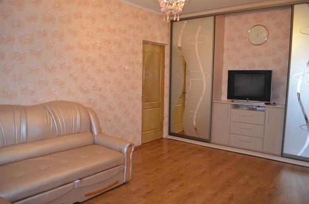 2-комнатная квартира посуточно в Киеве. Оболонский район, ул. Приречная, 1. Фото 1