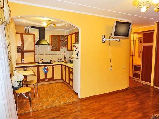 1-комнатная квартира посуточно в Феодосии. ул. Федько, 20. Фото 1