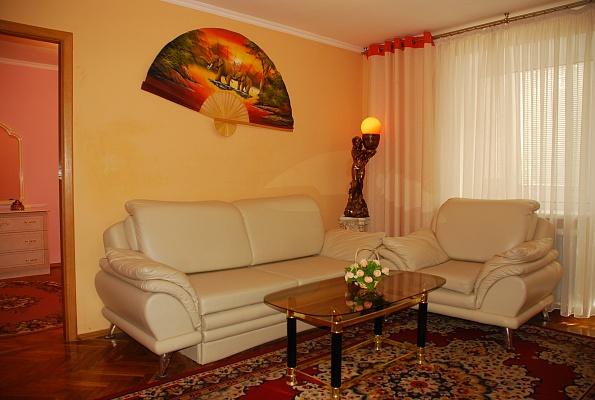 2-комнатная квартира посуточно в Киеве. Печерский район, б-р Леси Украинки, 12. Фото 1