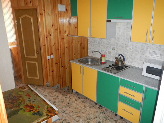 2-комнатная квартира посуточно в Умани. ул. Советская, 28. Фото 1