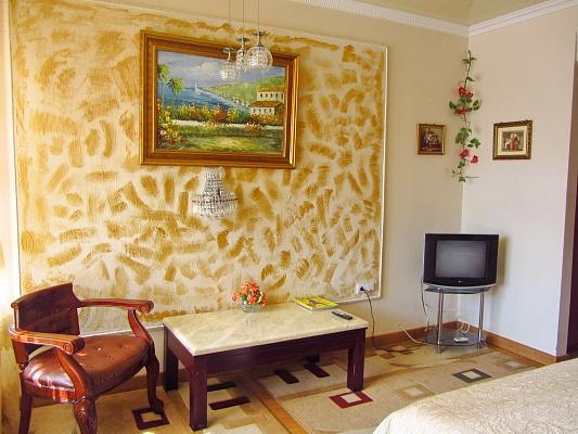 1-комнатная квартира посуточно в Одессе. Приморский район, ул. Дерибасовская, 31. Фото 1