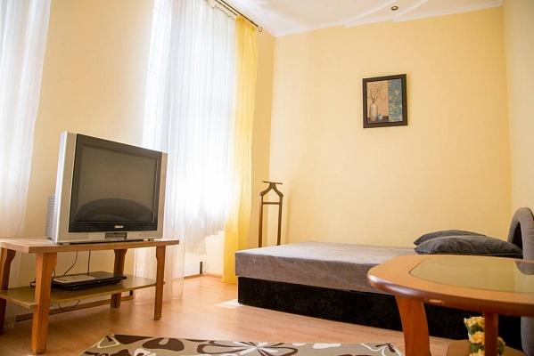 1-комнатная квартира посуточно в Львове. Галицкий район, ул. Дудаева, 18. Фото 1