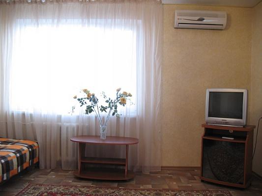 1-комнатная квартира посуточно в Севастополе. Ленинский район, пр-т Острякова, 108. Фото 1