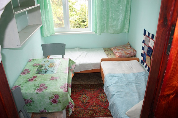 Комната  посуточно в Феодосии. пер Славянский, 5. Фото 1