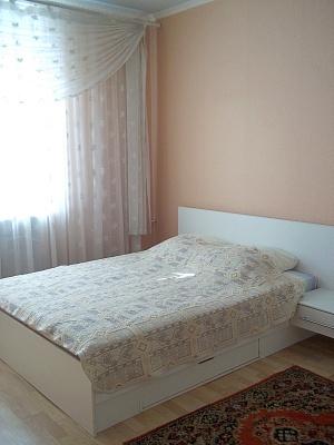 2-комнатная квартира посуточно в Херсоне. Суворовский район, ул. Воронцовская (Коммунаров), 4. Фото 1
