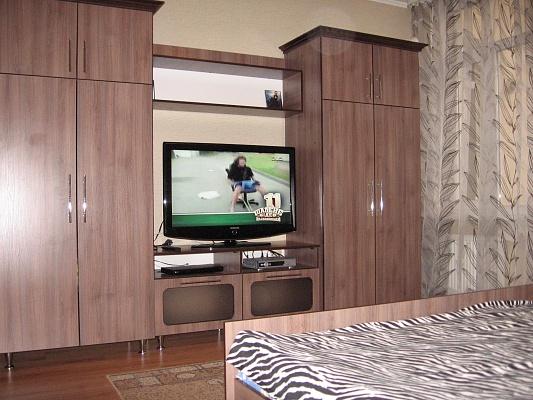 2-комнатная квартира посуточно в Луцке. ул. Максима Кривоноса. Фото 1