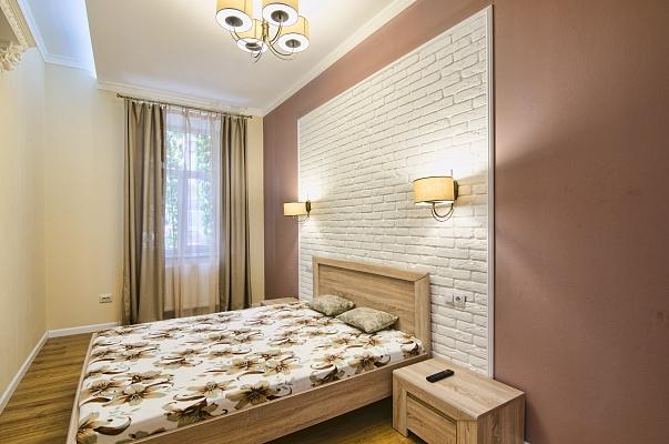 2-комнатная квартира посуточно в Львове. Галицкий район, ул. Костюшко, 5. Фото 1