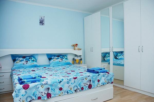 2-комнатная квартира посуточно в Киеве. Днепровский район, Никольско-Слободская. Фото 1