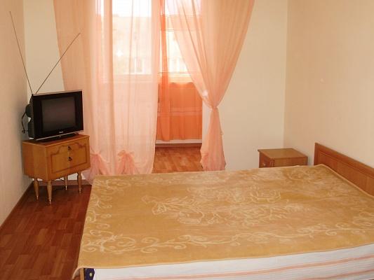 3-комнатная квартира посуточно в Каменце-Подольском. ул. Огиенко, 39\2. Фото 1