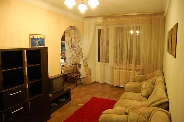 3-комнатная квартира посуточно в Киеве. Святошинский район, ул. Бабушкина, 23. Фото 1