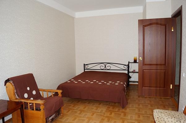 1-комнатная квартира посуточно в Севастополе. Гагаринский район, ул. Ефремова, 16. Фото 1