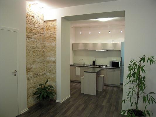 2-комнатная квартира посуточно в Одессе. Приморский район, ул. Бунина, 27. Фото 1