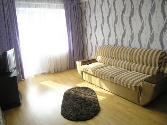2-комнатная квартира посуточно в Умани. ул. Пушкина, 10. Фото 1