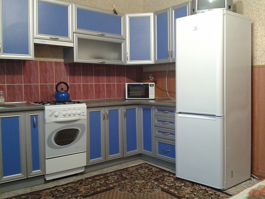 3-комнатная квартира посуточно в Умани. ул. Пушкина, 38. Фото 1