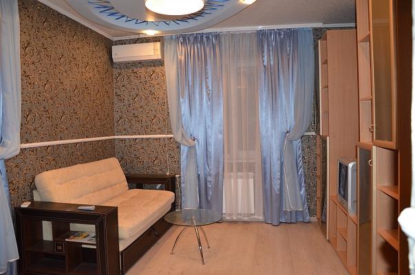 1-комнатная квартира посуточно в Макеевке. м-н Зеленый, 42. Фото 1